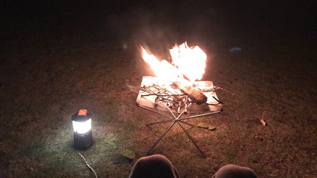ユニフレーム(UNIFLAME)のファイアスタンド2焚き火①