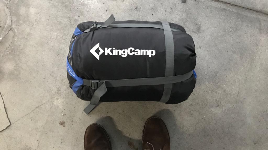 KingCamp 歩ける寝袋の外観:めっちゃ人型。収納サイズは割と大きめ