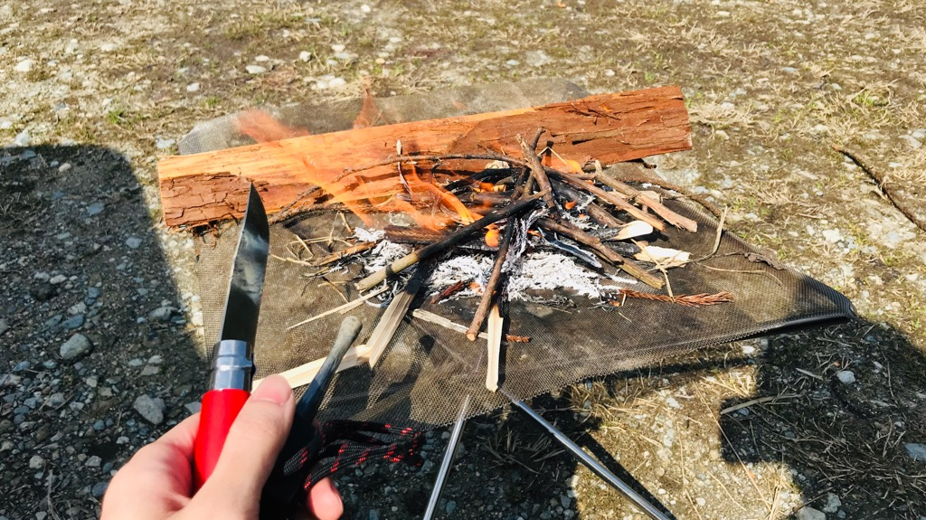 肉を炭火で直焼きする方法・手順・感想:火起こし