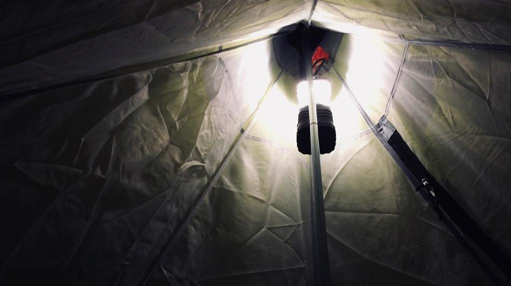 ジェントスLEDランタン エクスプローラーの使用感・使い心地:実際に点けたところ。Highモードの明るさはそこそこ