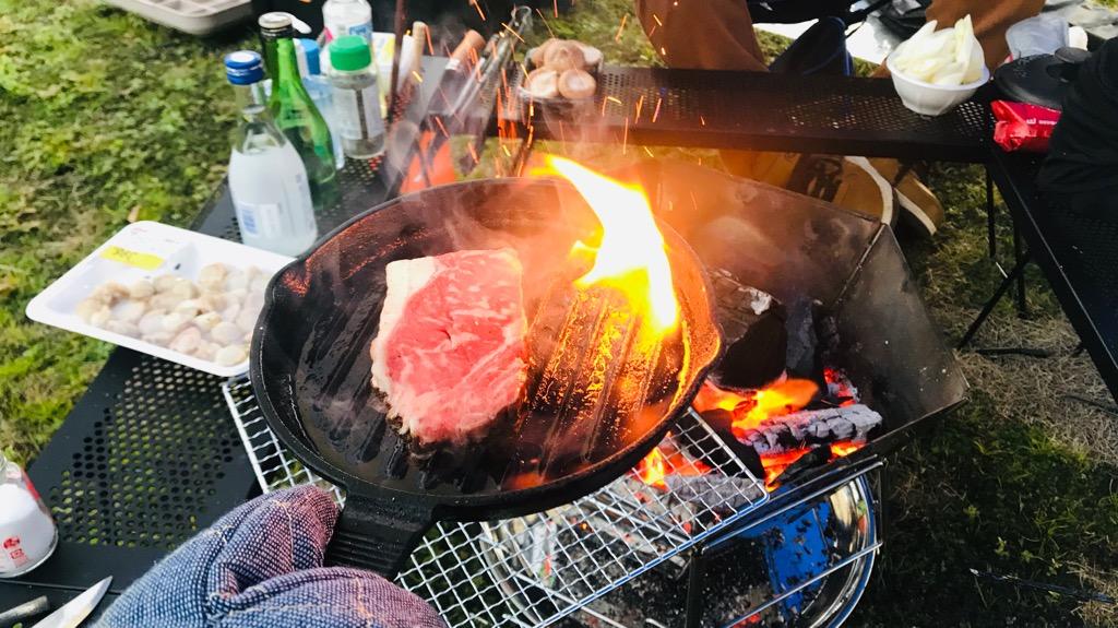 肉を炭火で直焼きするメリット:持ち物・洗い物がめっちゃ減る