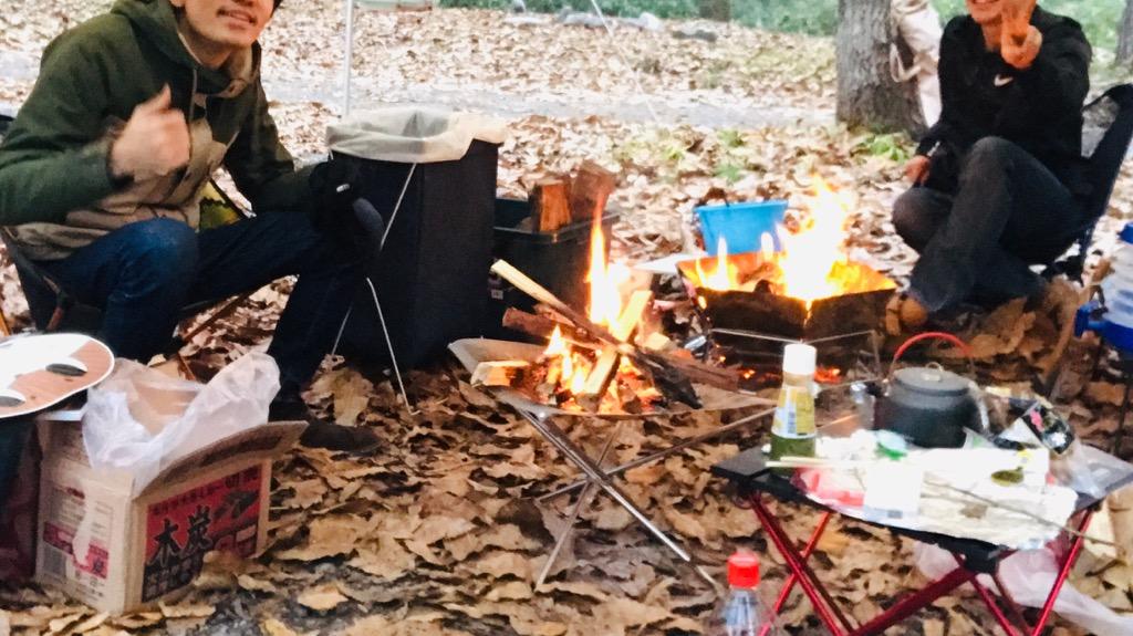 キャンプのメリット③:ソロでも複数人でも楽しめる