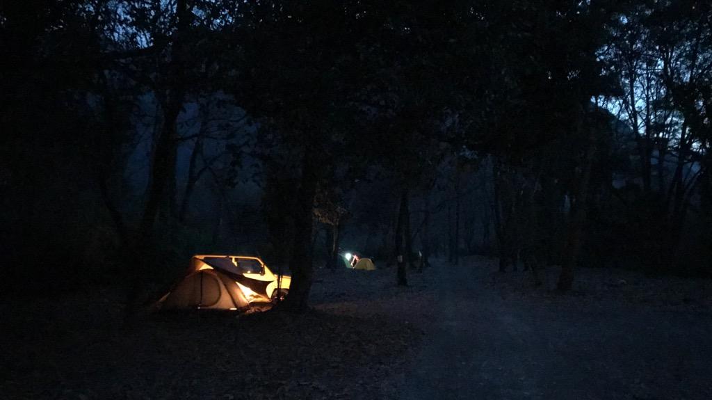 キャンプの基本マナー②:夜遅くにはあまり騒がない