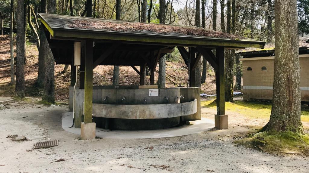 北山キャンプ場のメリット・良いところ:水場・炊事場・水洗トイレ完備!しかもトイレは洋式あり