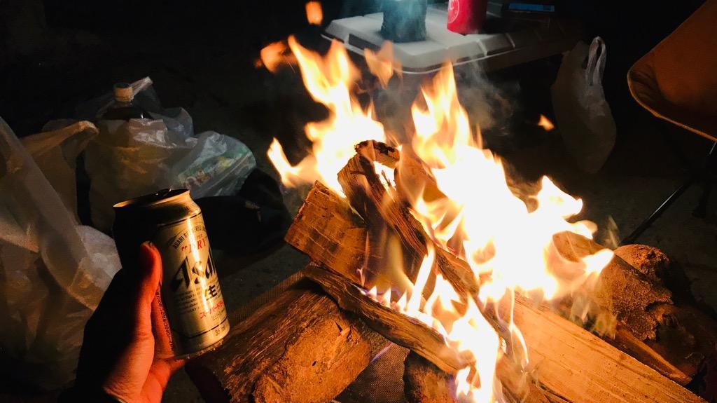 薪のメリット:ゆらゆら燃え上がる炎に癒される