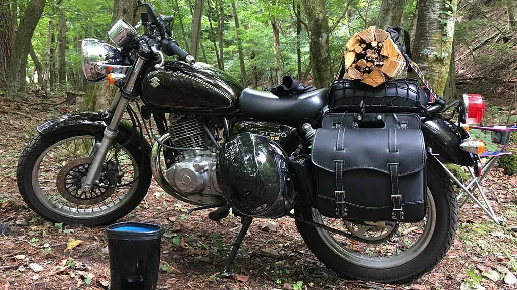 キャンプツーリングとは、バイクで行くキャンプのこと