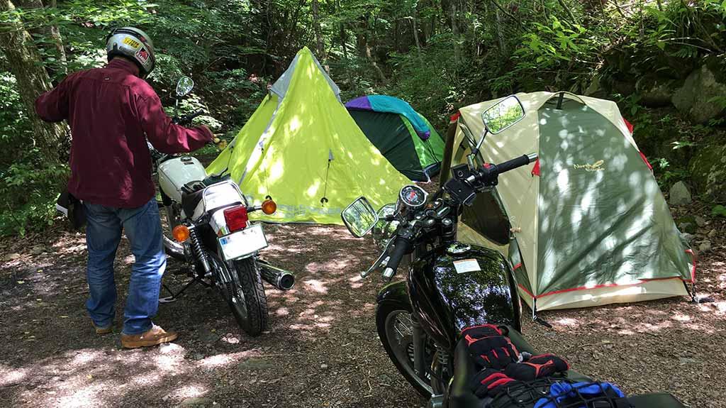 キャンプツーリングのメリット・良いところ:徒歩よりも車よりも、バイクで行くキャンプには「旅」感がある