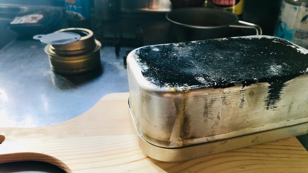 キャンプでの焚き火で知っておくべきこと④:調理は炭火か熾火がオススメ。焚火でやると煤がつきます