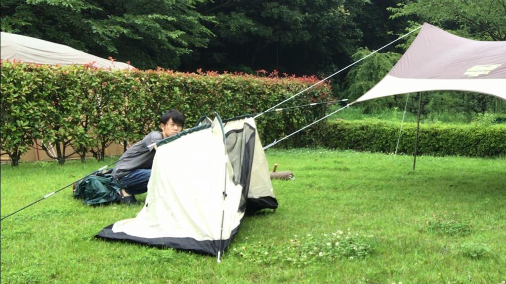 設営方法:インナーテントをポールで立てる→フライシートかぶせる→テントシートつける